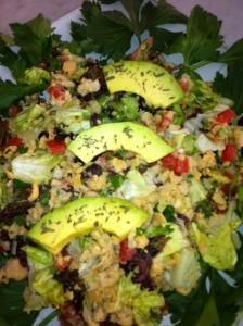 salada de grão de bico com abacate...hummm!