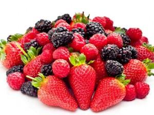 as frutinhas vermelhas reduzem o risco de doenças cardíacas!
