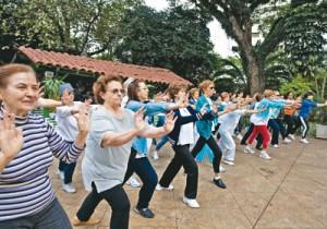 atividades como o tai-chi-chuam ajudam a reduzir o estresse, inimigo da boa saúde!