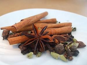 os temperos para fazer o chai variam de acordo com as receitas