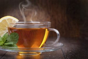 Chás feitos com ervas medicinais relaxantes nos ajudam a entrar em estado meditativo!